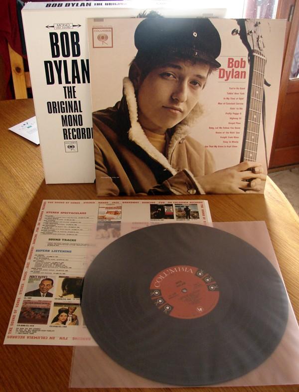 Premier album de Dylan, Bob DYLAN, version mono