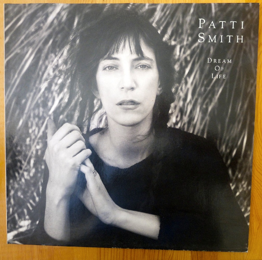 Vos derniers achats - Page 26 Patti%20Smith%20-%20Dream%20of%20life